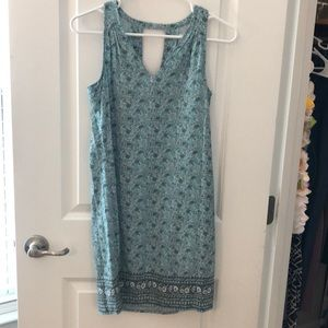 Old Navy dress size XS. Aqua base. Like new!
